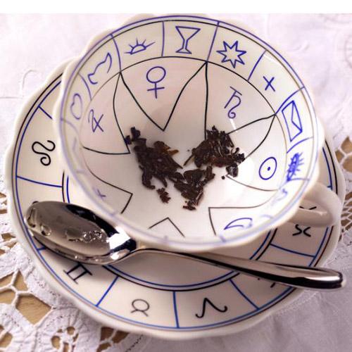 Tasséomancie – La divination dans les feuilles de thé
